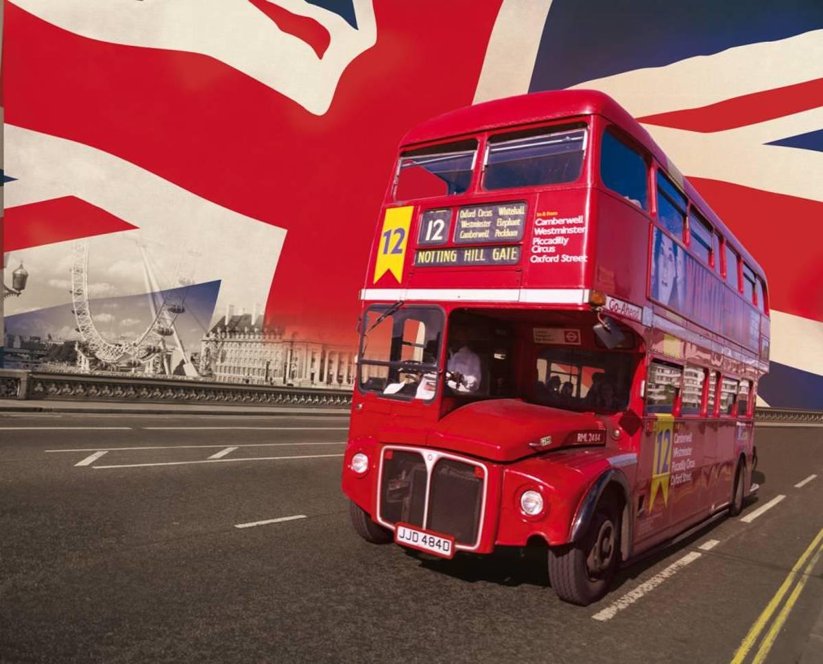 Bus - Fotobehang - 232 x 315 cm - Multi
