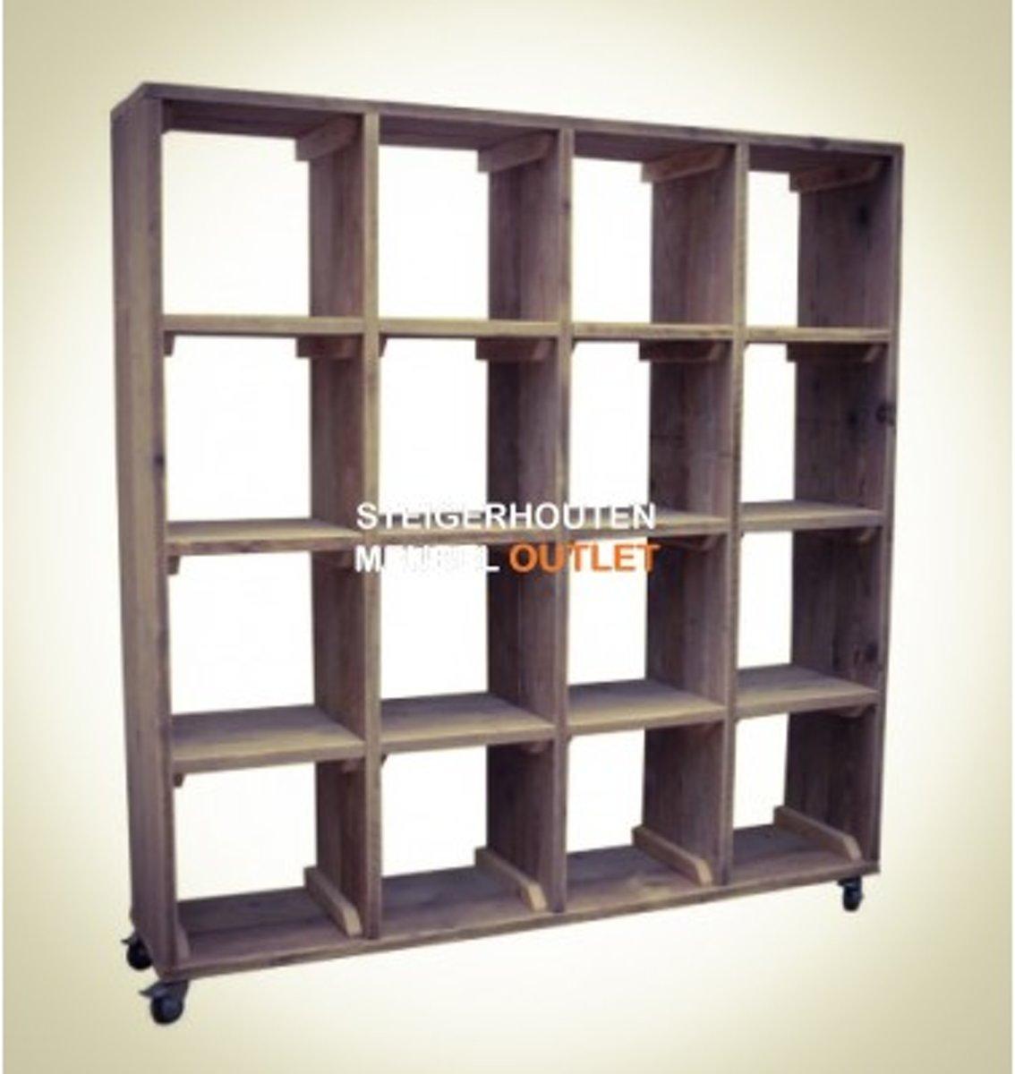 steigerhouten boekenkast / roomdivider