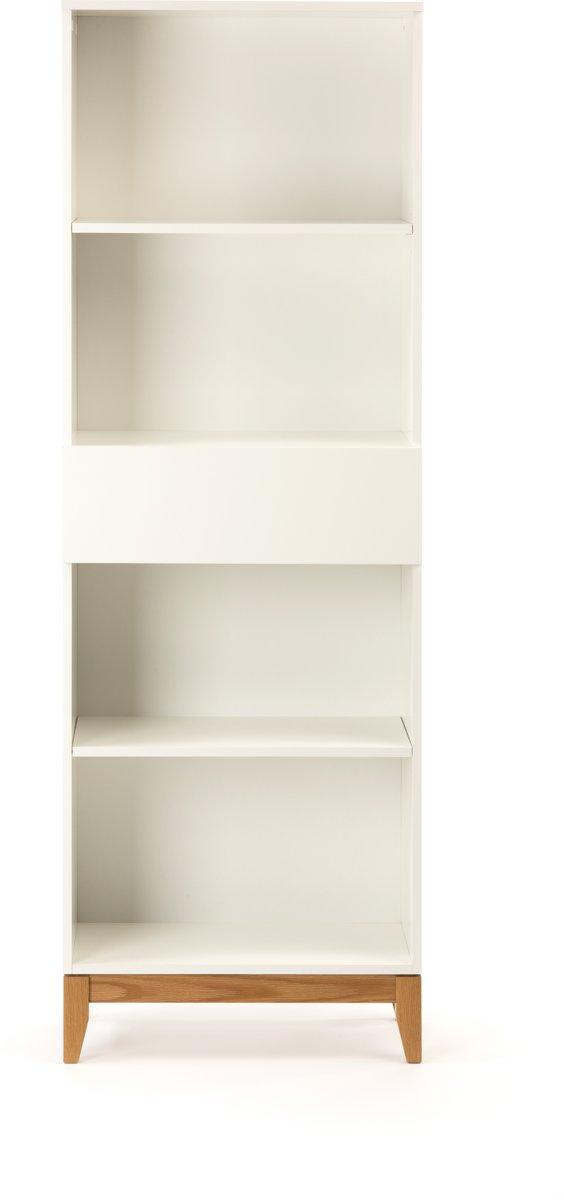 Blance boekenkast met 4 planken en 1 lade, in wit met massief eiken poten.