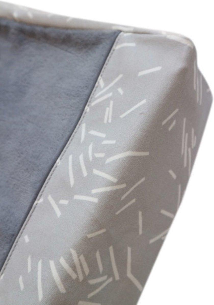 Petit Juul - Aankleedkussenhoes - 42-46 x 72-75 - Grey confetti/Oud blauw